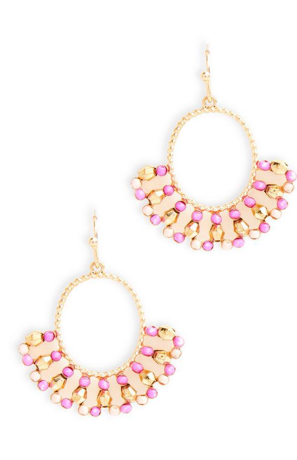 Brincos delicados com contas cor-de-rosa e dourado