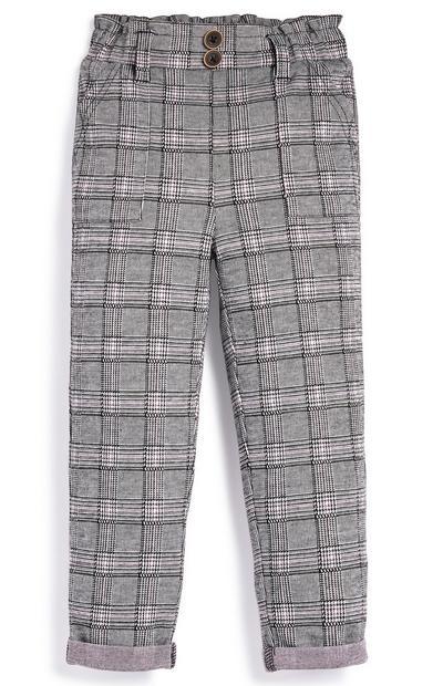 Pantalones de cuadros para niña pequeña