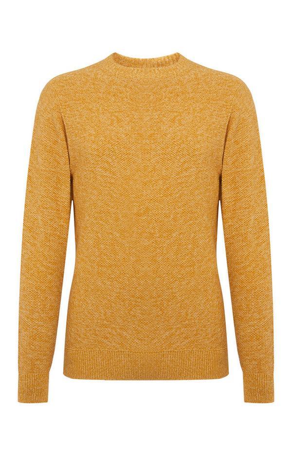 Gele sweater met gerstekorrelsteek