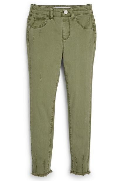Pantalones caqui de sarga con bajos deshilachados para niña pequeña