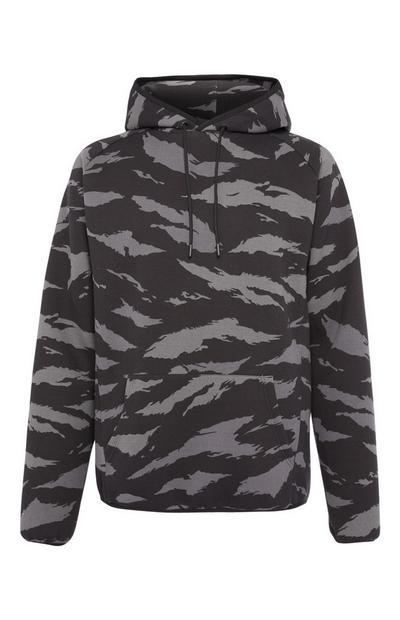Zwarte hoodie met camo-print