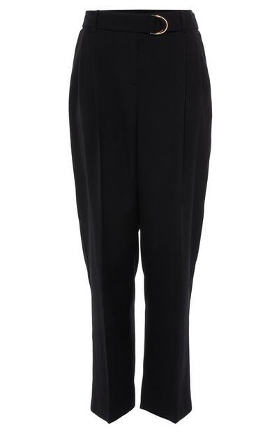 Črne hlače s pasom z zaponko v obliki črke D