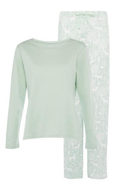 Grünes Langarm-Pyjamaset aus nachhaltigen Materialien