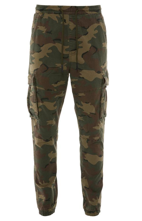 Pantaloni cargo kaki mimetici in tela con fondo stretto