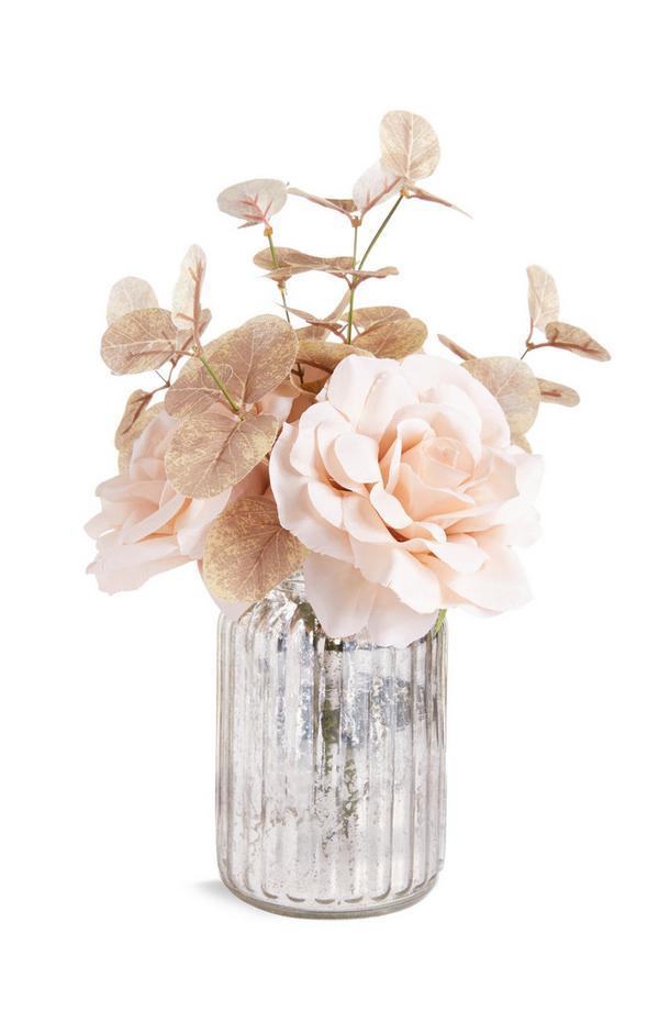 Vase avec grandes fleurs artificielles dorées