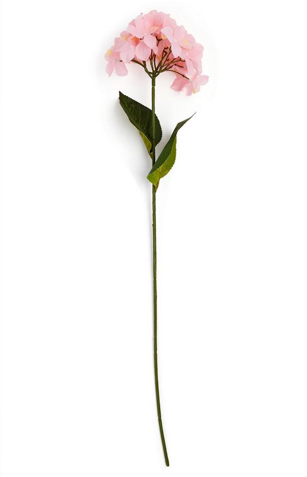 Einzelner Deko-Zweig mit Blüte in Hellrosa