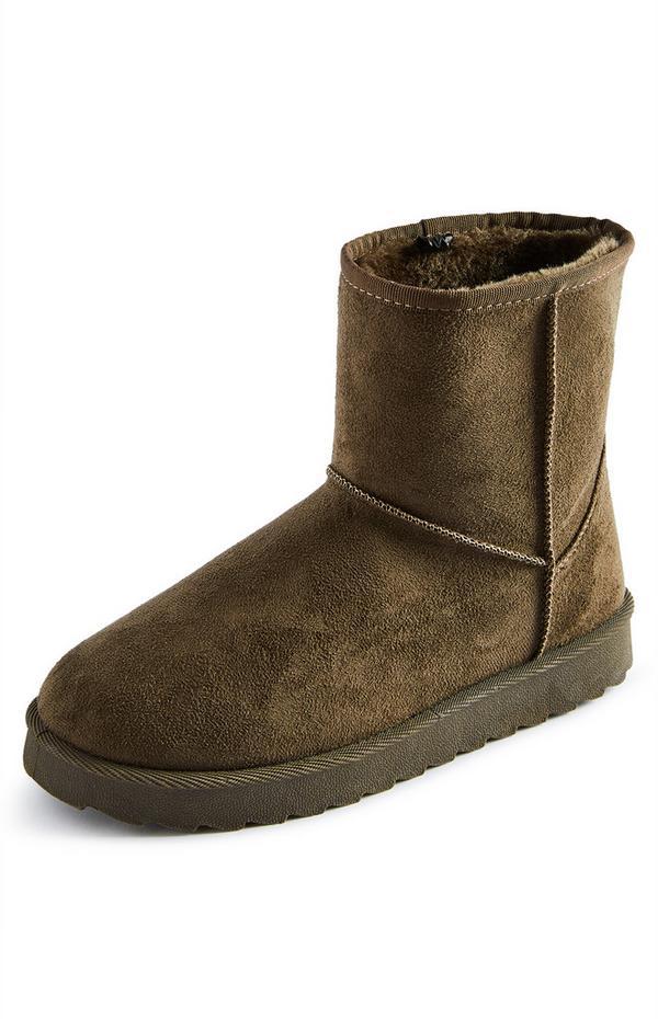 Khakifarbene Stiefel aus Wildlederimitat mit weichem Futter