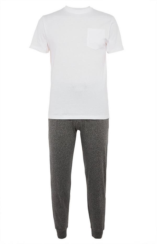 Komplet organske pižame z belo majico in sivimi hlačami