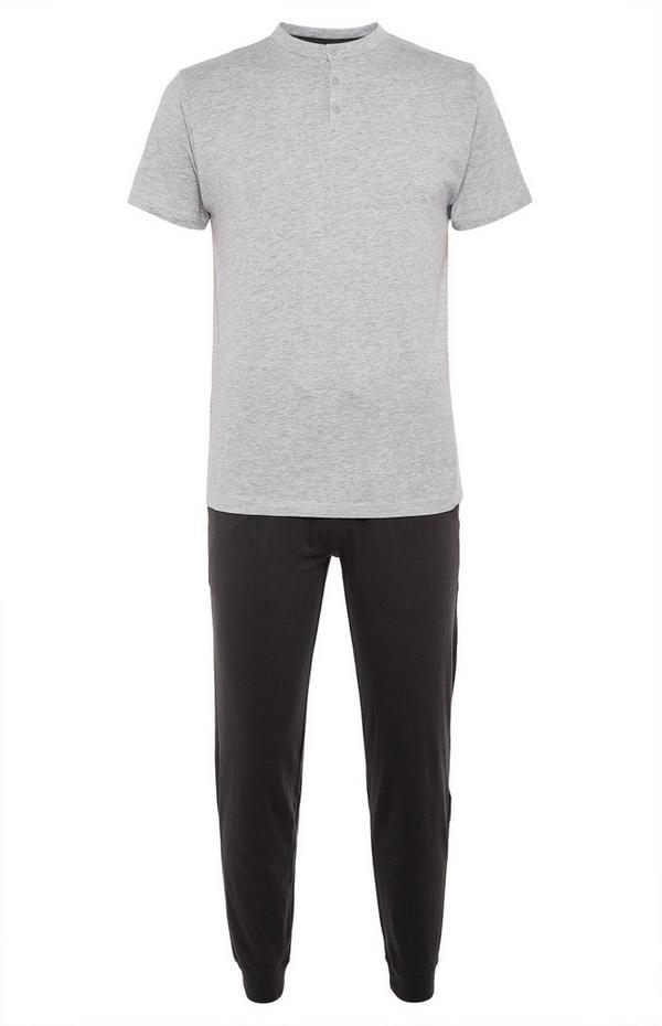 Pyjama gris et noir avec t-shirt à haut boutonné