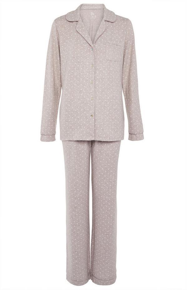 Superweicher nerzfarbener Pyjama mit Knöpfen