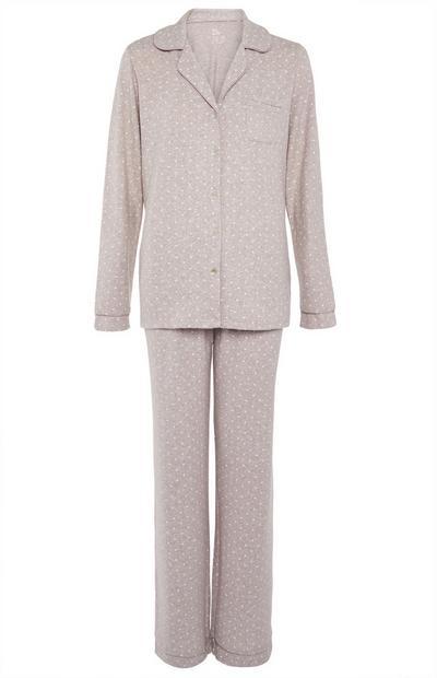 Pijama color visón de tejido supersuave con botones