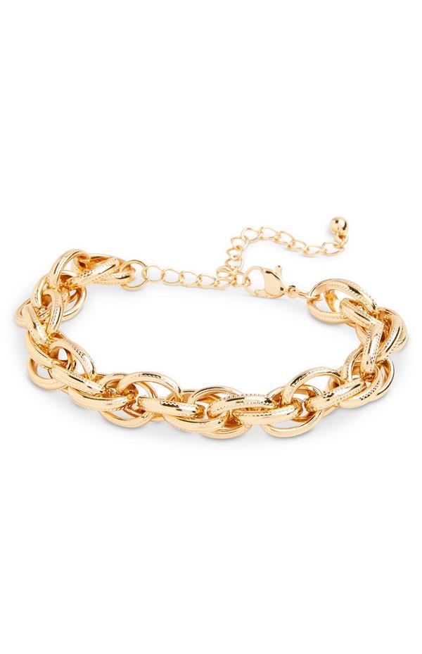 Grobgliedriges, goldfarbenes Armband in verdrehter Optik