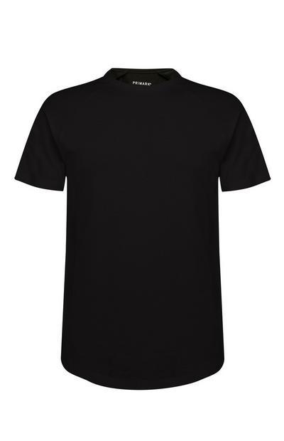 Črna elastična majica z daljšim zadnjim delom