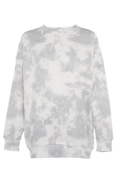 Siv pulover, obarvan z vozlanjem