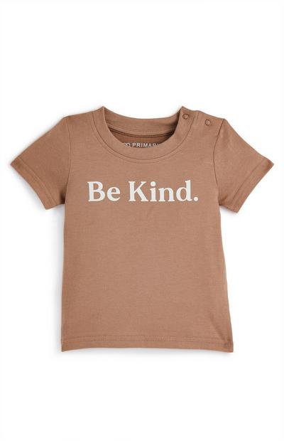 T-shirt color cammello con scritta Be Kind da bimbo