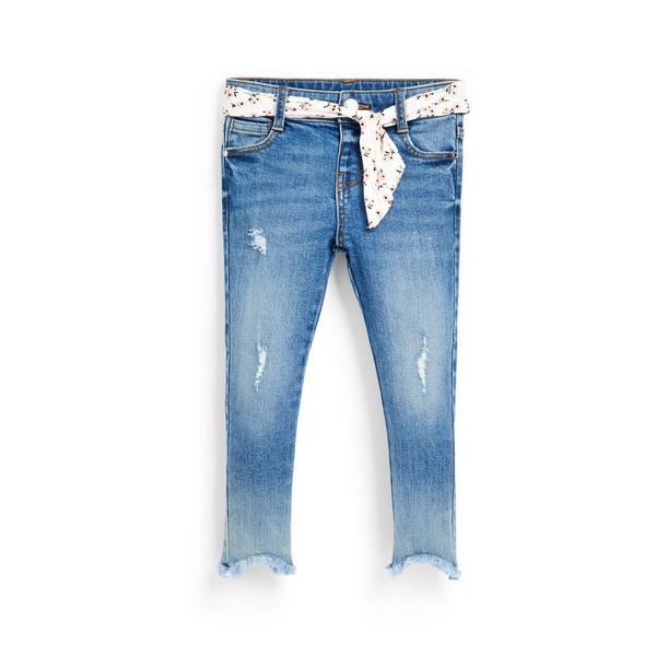 Vaquero azul claro con cinturón para niña pequeña