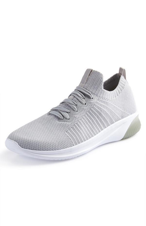 Zapatillas deportivas tipo calcetín grises
