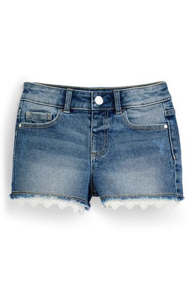 Modre kratke hlače iz džinsa s kvačkano obrobo za mlajša dekleta