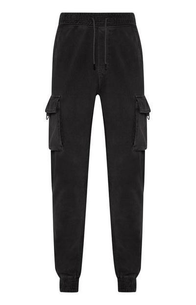 Črne hlače z žepi na stegnih
