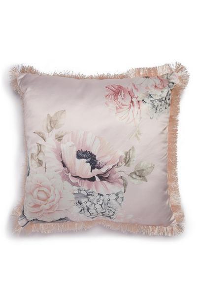 Cuscino rosa in raso a fiori con frange