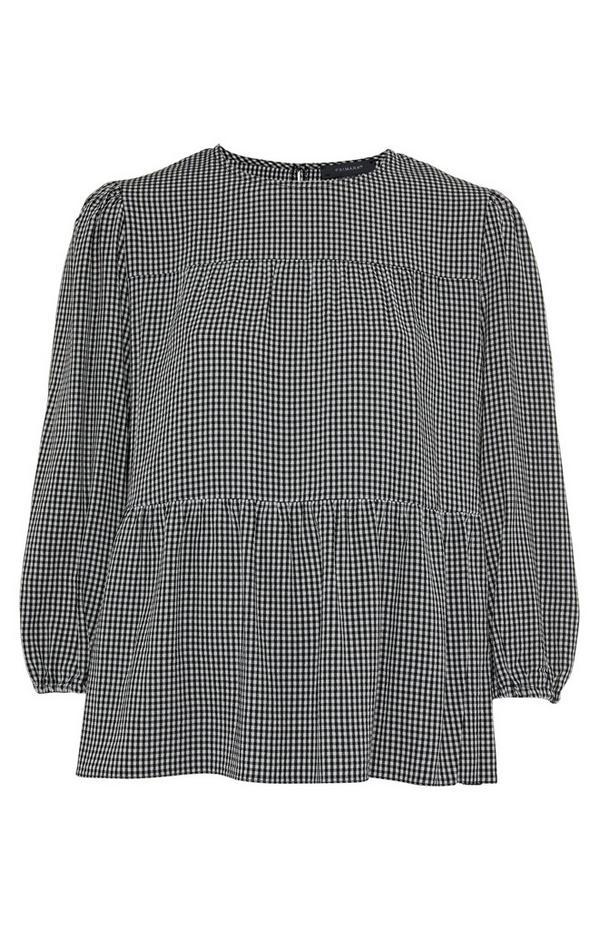 Camisa fruncida con cintura baja a cuadros blancos y negros