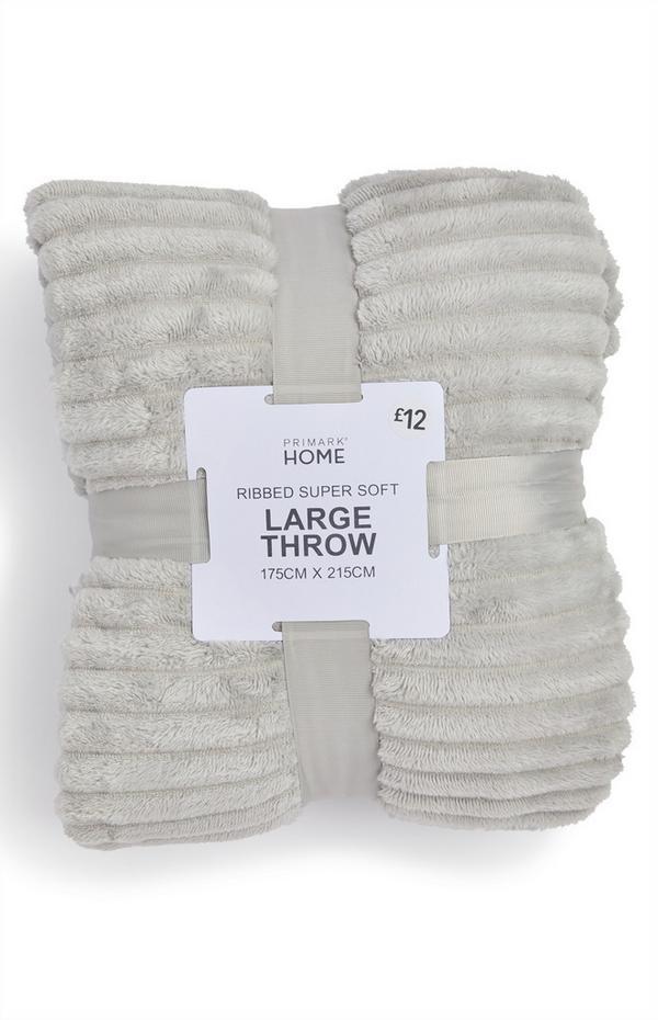 Manta grande suave de canalé color gris plata