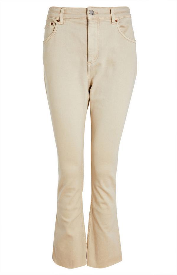 Korte beige jeans met wijd uitlopende pijpen