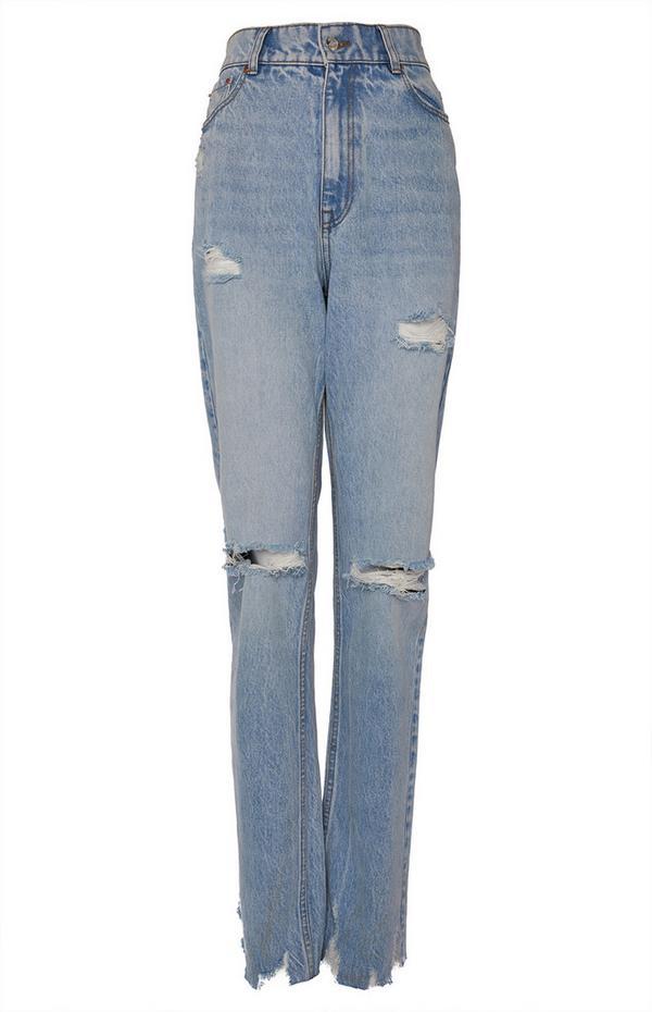 Modre kavbojke spranega videza s širokimi hlačnicami v slogu 90-ih let