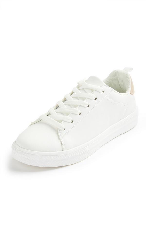 Schlichte weiße Low-Top-Sneaker