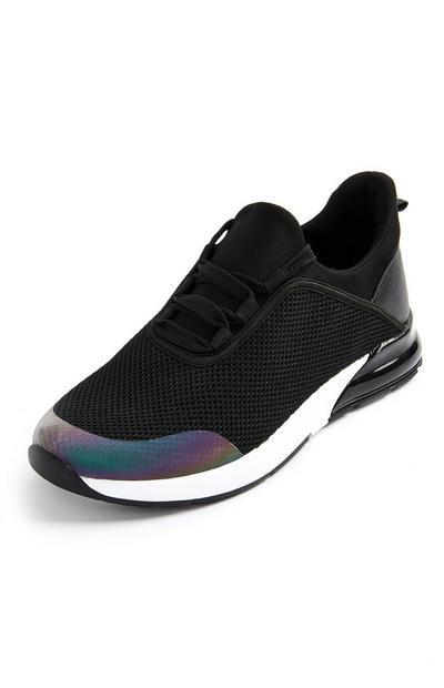 Črni pleteni čevlji z okrašeno peto
