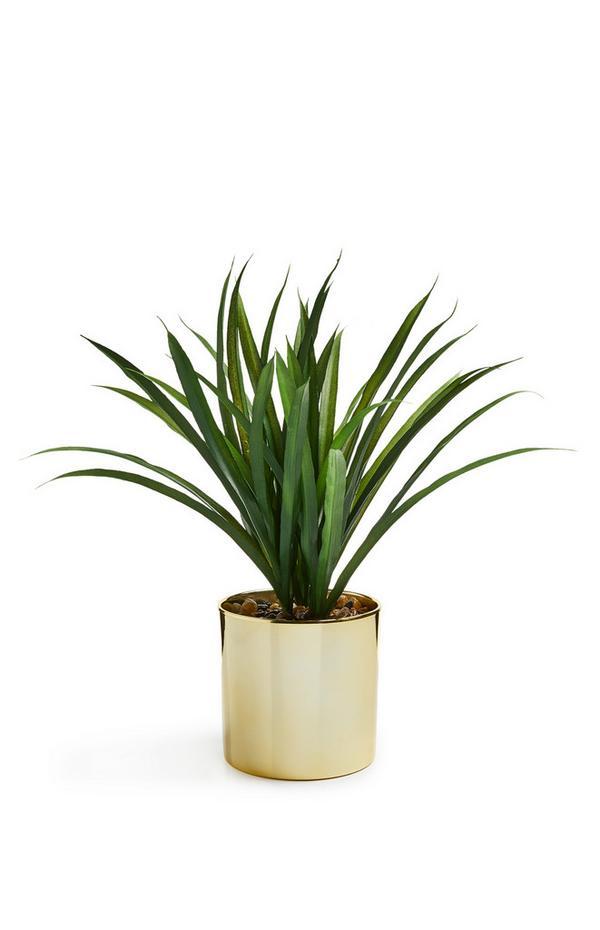 Maceta dorada grande con planta artificial
