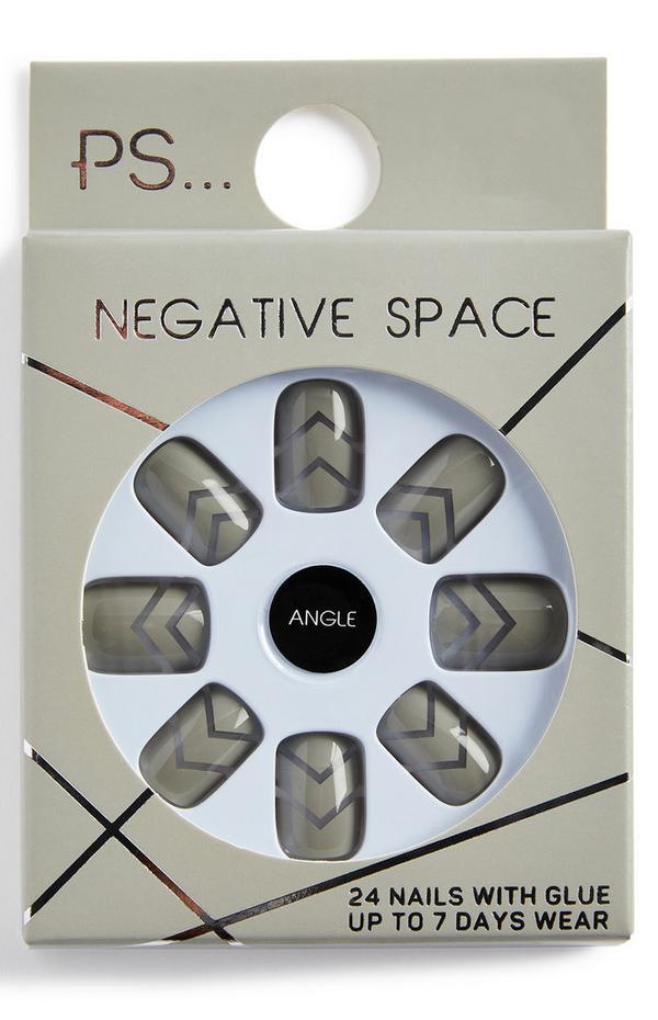 Rechthoekige glanzende kunstnagels PS Negative Space, kleur Angle