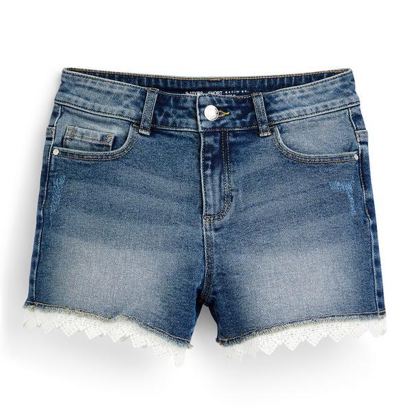 Shorts blu in denim con orlo all'uncinetto da ragazza