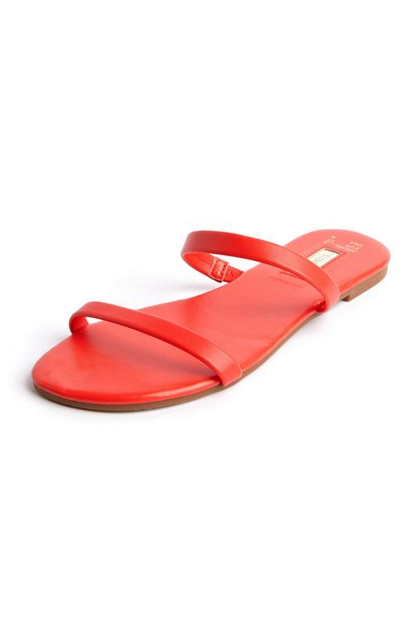 Rode slippers met dubbele bandjes