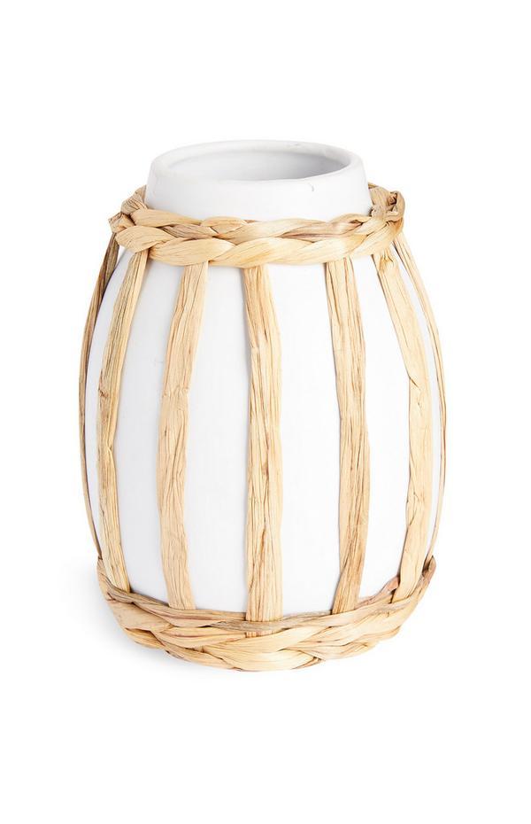 Vaso bianco in ceramica e rattan