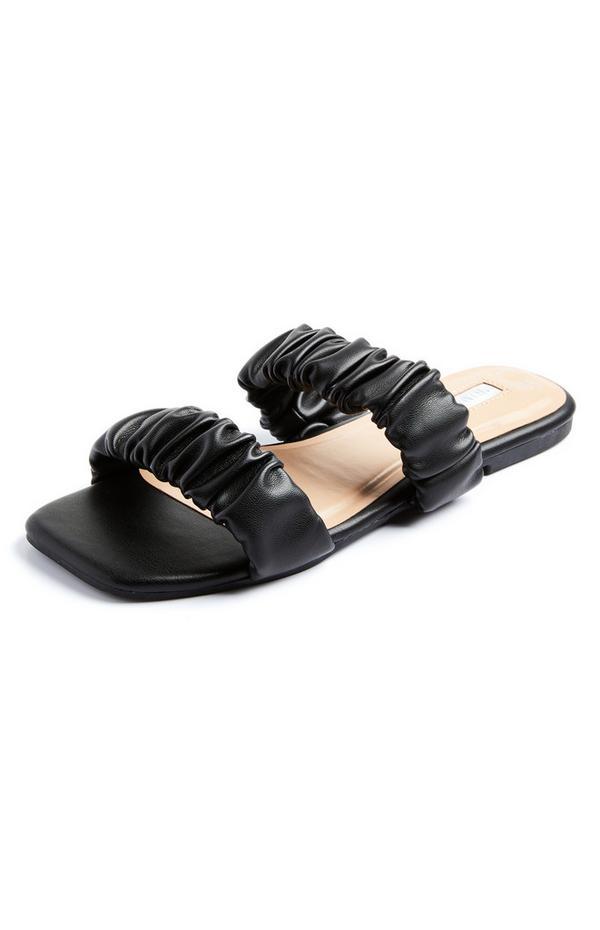 Sandalias negras con doble tira fruncida
