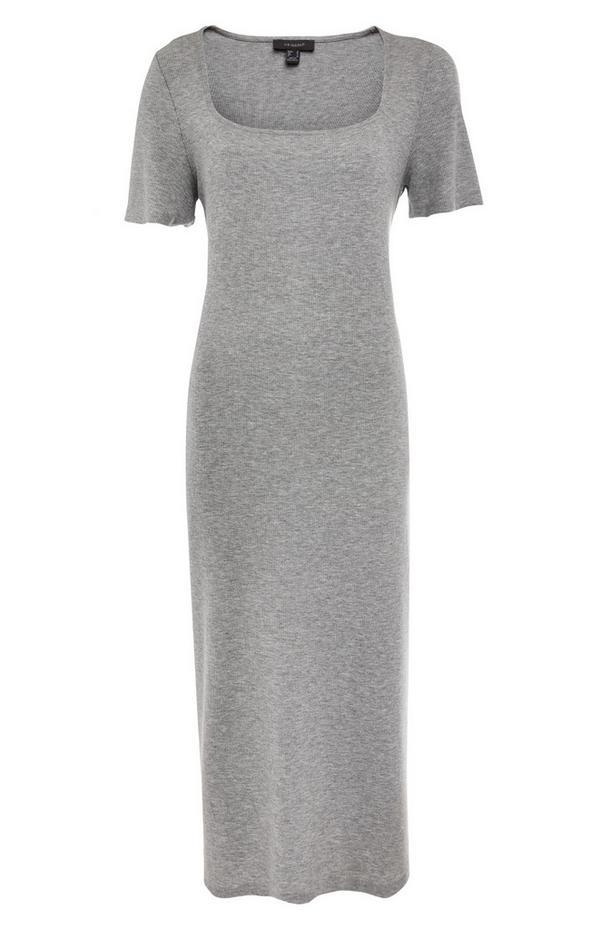 Nauwsluitende grijze midi-jurk met U-hals en kapmouwtjes