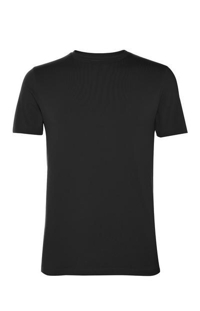 Camiseta negra de cuello redondo y corte ceñido