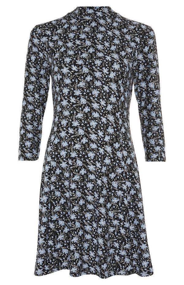 Zachte zwart-blauwe wijdvallende jurk met print