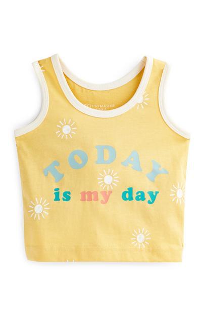Camiseta sin mangas amarilla con mensaje para bebé niño