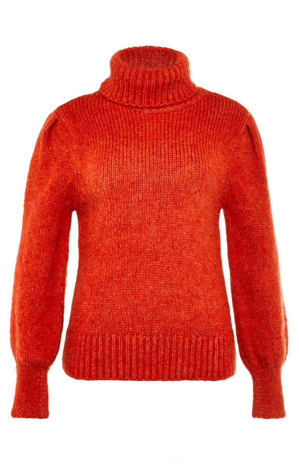 Maglione arancione bruciato morbido a collo alto