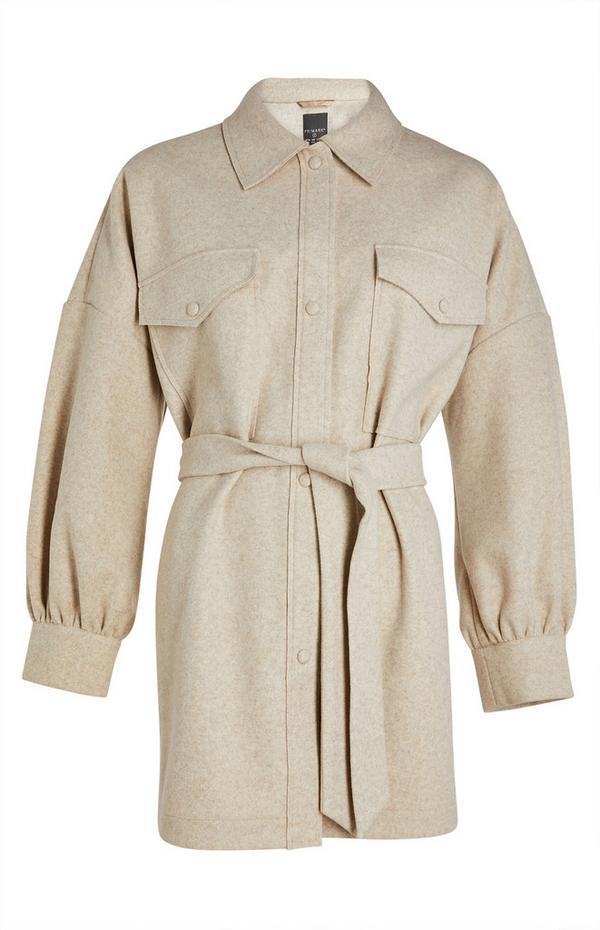 Crèmekleurig fleece shacket met riem