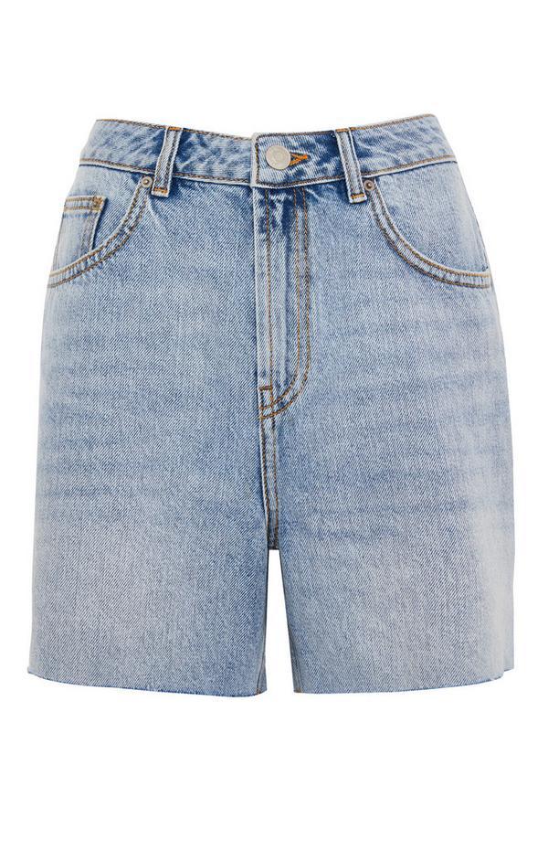 Lange Mom-Shorts mit offenem Saum