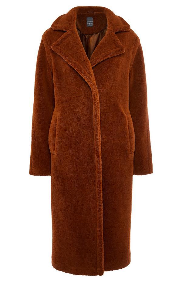 Abrigo largo marrón de borrego sintético
