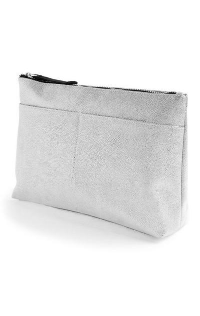 Kulturbeutel mit zwei Taschen in Metallic-Silber