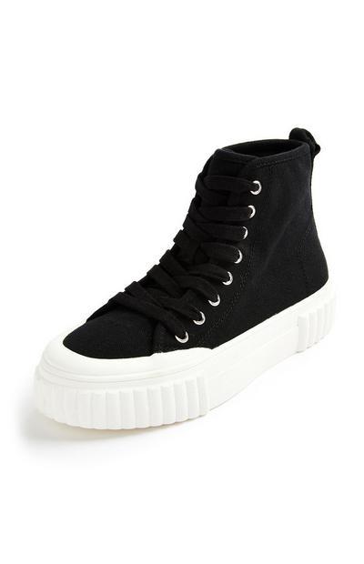 Hoge zwarte canvas sneakers met dikke zool