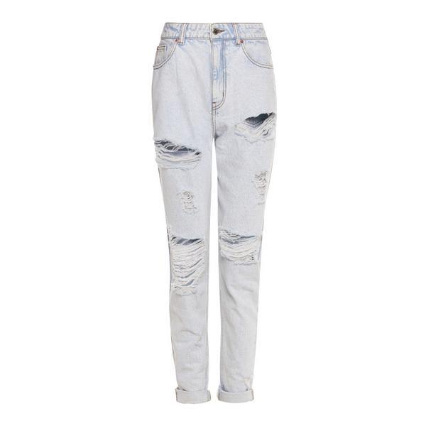 Hellblaue Mom-Jeans im extremen Used-Look