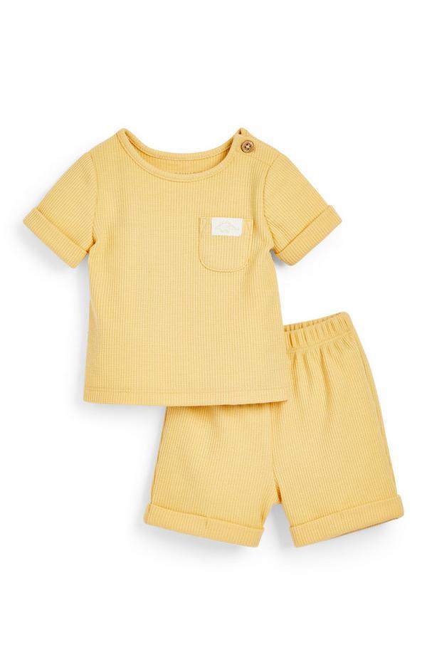 Geel babysetje met T-shirt en short met wafelpatroon voor pasgeborenen (jongens)
