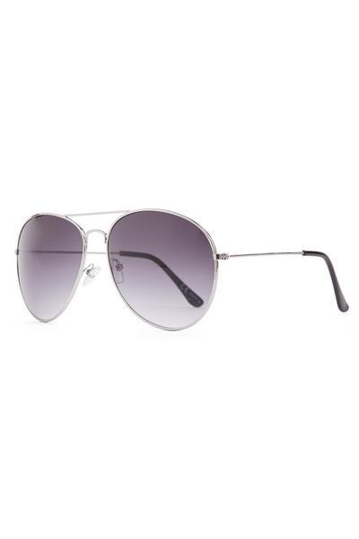 Klassieke zilverkleurige pilotenzonnebril