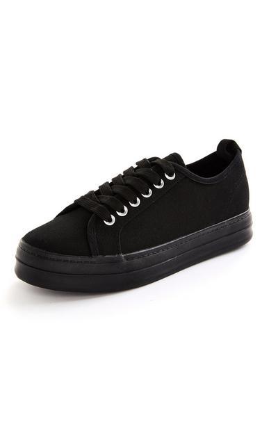 Scarpe da ginnastica nere con lacci